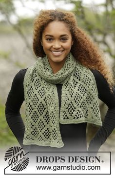 Crochet DROPS stole with square pattern in BabyMerino.
