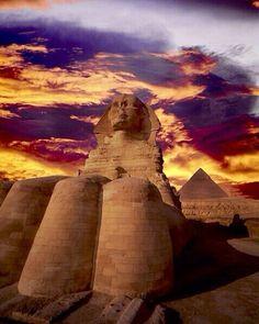 Paquetes de viajes en Egipto,  Las Pirámides y La Esfinge http://www.espanol.maydoumtravel.com/Paquetes-de-Viajes-Cl%C3%A1sicos-en-Egipto/4/1/29