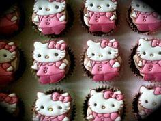Hello Kitty  Cake by cofilatea