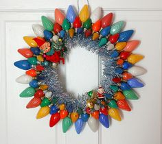 Vintage Lightbulb Wreath - another beauty by Georgia Peachez.  Wonder if GP will leave any on Ebay for me :)