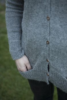 Nupu Nupu: Magnolia Cardigan by Joji Locatelli, Drops Alpaca