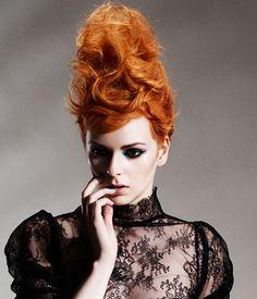 präsentiert von www.my-hair-and-me.de #women #hair #haare #outfit #red #locken #lockig #curly #curls
