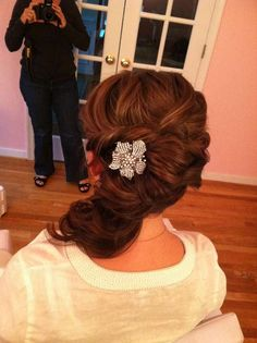 LOVE this bridal updo