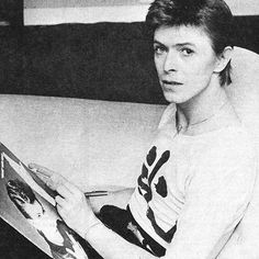 Download every Bowie track @ Iomoio.co.uk  Download all your favorite music at http://www.iomoio.co.uk/bonus.php