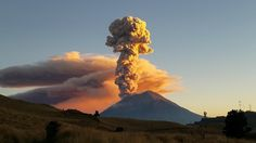 Volcanic Eruption of Popocatépetl in Mexico [3264x2448] #nature and Science