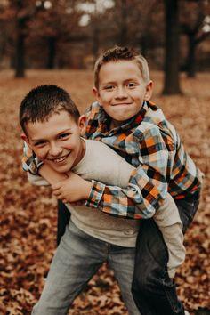 Des Moines, Iowa Photographer Family Pictures Two Boys Family photo ideas Fall family pictures