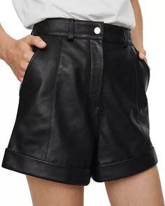 Short en cuir avec revers et surpiqûres Boyfriend Jeans Outfit Summer, Jeans Boyfriend, Summer Dress Outfits, Jean Outfits, Casual Dresses, Mini Shorts, Vestidos Color Coral, Short Skirts, Short Dresses