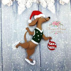 Новый год 2017 ручной работы. Ярмарка Мастеров - ручная работа. Купить Собачки из фетра на коньках символ 2018. Собака из фетра. Handmade.