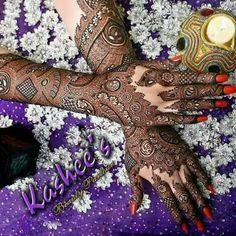 Lovely bridal mehndi design by kashee 's beauty parlour Kashee's Mehndi Designs, Pakistani Mehndi Designs, Pretty Henna Designs, Henna Designs Easy, Beautiful Mehndi Design, Latest Mehndi Designs, Mehndi Designs For Hands, Henna Tattoo Designs, Kashees Mehndi