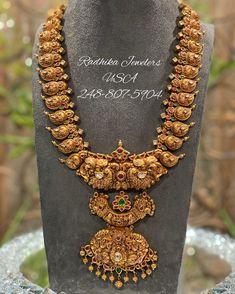 Gold Temple Jewellery, Indian Wedding Jewelry, India Jewelry, Gold Jewellery Design, Bridal Jewelry, Gold Jewelry, Gold Jhumka Earrings, Jewellery Earrings, Mango Necklace