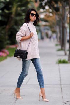 My cream turtleneck sweater lookbook 7: with light skinny jeans and nude heels