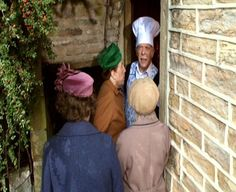 Episode A Tale of Two Sweaters - Alvin is stalling the ladies from going inside so Howard can change sweaters. British Sitcoms, British Comedy, Last Of Summer Wine, England, Change, Cook, Dinner, Tv, Lady