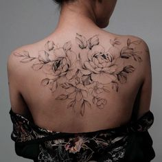 You Should Know What Kind Of Tattoo Pattern You Are Suitable For - Page 22 of 24 - Dazhimen Back Tattoo Women Upper, Upper Back Tattoos, Girl Back Tattoos, Feminine Back Tattoos, Floral Back Tattoos, Dope Tattoos, Body Art Tattoos, Sleeve Tattoos, Spine Tattoos