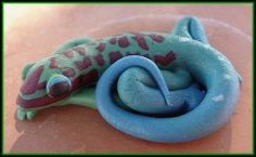 quick tutorial for a day gecko. author assumes you know how to work with polymer clay.