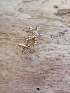Small Gold Starfish Silver Rhinestone Stud by BohoBeachJewelry Small Earrings, Stud Earrings, Bohemian Beach, Silver Rhinestone, Beach Jewelry, Starfish, Delicate, Brooch, Unique