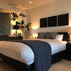 コンパクトなスペースを有効に使い、居心地のいい空間を作り上げているホテルの客室。日々生活するお部屋も、ホテルのようなシンプルでシックなしつらえにしてみませんか。今回は、ホテルスタイルの中心となるベッドルームとバスルームや洗面台の整え方をRoomClipのユーザーさんのアイデアからご紹介します。 Zara Home Bedroom, Bedroom Sets, Modern Bedroom, Master Bedroom, Diy Room Decor, Bedroom Decor, Home Decor, Japanese Bedroom, Interior Exterior