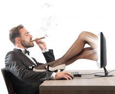 Zwar geben es die meisten nicht zu, doch der Konsum von Pornos ist weit verbreitet. Wissenschaftler haben nun untersucht, welche Auswirkungen Porno-Gucken auf Männer hat.