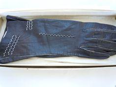 Vintage Black Leather Driving Gloves w/original by tloveskvintage