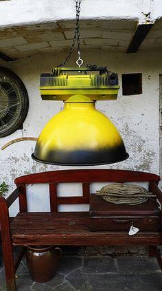 riesige Industrielampe für`s Loft - Industrial  von Gerne Wieder.GbR auf DaWanda.com