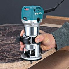 Makita HP Compact Router - Delivers power and precision in a compact package! Woodworking Images, Woodworking Power Tools, Carpentry Tools, Rockler Woodworking, Easy Woodworking Projects, Popular Woodworking, Woodworking Crafts, Woodworking Equipment, Woodworking Classes