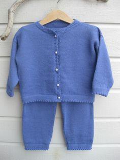Epla er et nettsted for kjøp og salg av håndlagde og andre unike ting! 18th, Knitting, Sweaters, Fashion, Moda, Tricot, Fashion Styles, Breien, Stricken