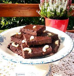 A céklás brownie is egy olyan süti, amivel nagyon régóta szemezgetek. Nem is tudom, miért vártam eddig, hiszen a céklát nagyon szeretem ...