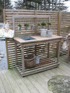potting table blended with horizontal slat fence/screen Outdoor Rooms, Outdoor Living, Outdoor Furniture Sets, Outdoor Decor, Garden Sink, Cozy Backyard, Patio Makeover, Summer Kitchen, Rustic Bathrooms