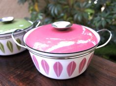 Rare Pink Cathrineholm Casserole Baking Dish, Collectible Pink Lotus Pattern in Great Condition, Vintage Enamelware.