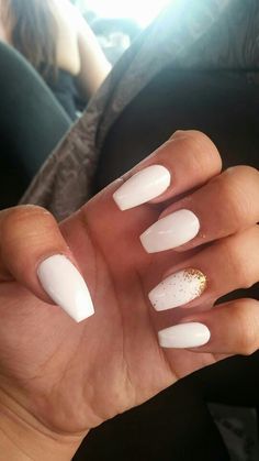 White and gold prom nails ballet nails, graduation nails, prom nails, Gold Acrylic Nails, Simple Acrylic Nails, Summer Acrylic Nails, White Nails With Gold, French Manicure Nails, Aycrlic Nails, Graduation Nails, Golden Nails, Fire Nails