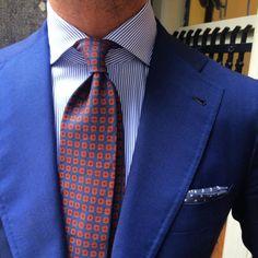 Leuke ideeën voor je pochet combinaties.  https://www.mightygoodman.nl/nl/english-fashion-pochet-blauw-met-dots.html
