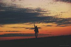 Chile es mi fundo  #conservatuscolores #siluetas #girl #photographer #sunset #atardecer #tumblr