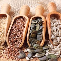 Seeds are a powerhouse of nutrients and have a myriad list of health benefits to offer. They contain healthy monounsaturated fats, polyunsaturated fats and many important vitamins, minerals and antioxidants. They are important additions to our daily food Sunflower Seeds Nutrition, Natural Hair Growth, Natural Hair Styles, Seed Cycling, Troubles Digestifs, Healthy Seeds, Hormone Balancing, Hemp Seeds, Home Remedies