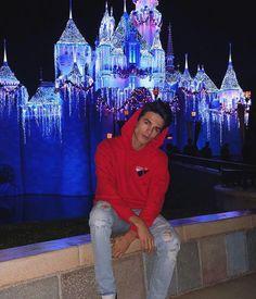 Cute Teenage Boys, Cute Boys, Youtube Boyfriend, Rivera Family, Famous Youtubers, Brent Rivera, Young Fashion, Boy Outfits, Disneyland