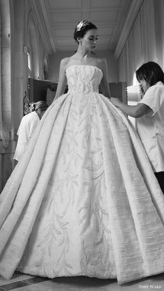 tony ward couture fall winter 2016 2017 back stage ball gown wedding dress
