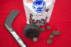 "Dark chocolate Stanley Cup Cakes topped with fluffy vanilla marshmallow frosting and Mini York Peppermint Patty ""pucks."" A fun dessert for a hockey party! Hockey Birthday Parties, Hockey Party, Skate Party, Sports Birthday, Birthday Party Games, Birthday Fun, Birthday Party Decorations, Hockey Birthday Cake, Birthday Ideas"