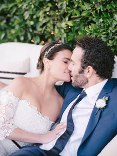 Idina Menzel shared the first look inside her magical backyard wedding on Monday, September after announcing she had secretly married her Rent co-star Aaron Lohr over the weekend. Pretty Wedding Dresses, Wedding Suits, Wedding Day, Movie Wedding, Tony Winners, Real Life Princesses, Bastilla, Idina Menzel, Wedding Planning Tips