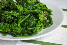Robin's Broccoli Rabe With Chicken and Apricots: Enjoy cooking this sweet and savory dish for your next dinner meal.