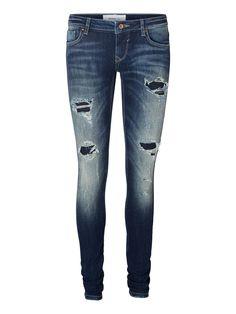 Destroyed jeans from VERO MODA. #fashion #denim #jeans