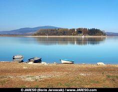 Royalty-Free Stock Photo (694): Boats and Slanica Island, Slovakia - Oravská priehrada