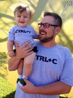 2019 New Arrival Father And Son Clothes Fahion Style Cute Pattern Family T Shirt Family Matching Outfits Dad Son, Father And Son, T Shirt Body, Bebe T Shirt, Pilou Pilou, Bodysuit, Hommes Sexy, Matching Family Outfits, Baby Kind