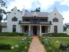 Sir Herbert Baker - Somerset West - South Africa - Google Search Colonial Architecture, Architecture Design, India House, Cape Dutch, Somerset West, Secret House, Dutch House, Heavenly Places, Fancy Houses
