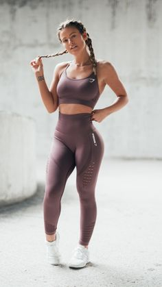 Give the world good energy. Gymshark Athlete, Megan Grubb styles the Energy Seamless collection launching 1st January at 3pm GMT.