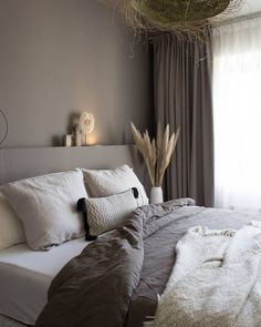 Guest Bedroom Decor, Bedroom Colors, Living Room Interior, Living Room Decor, Diy Tapete, Aesthetic Rooms, Modern Bedroom Design, Natural Home Decor, Living Room Inspiration