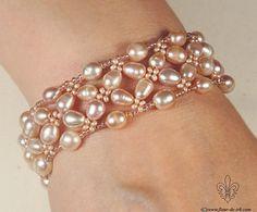 Pink pearl bracelet B271 by Fleur-de-Irk on DeviantArt                                                                                                                                                      Más