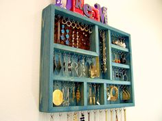 Finding a Jewelry Organizer to Manage Your Collection
