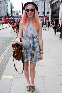 Bubblegum hair works perfectly with this summer dress
