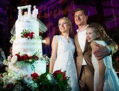 Свадьба Ольги Горбачевой и Юрия Никитина: торжество в замке в украинском стиле http://womenbox.net/stars/svadba-olgi-gorbachevoj-i-yuriya-nikitina-torzhestvo-v-zamke-v-ukrainskom-stile/  На прошлой неделе мы сообщали о том, что звездная пара Оля Горбачева и Юрий Никитин поженились. Тогда это были просто фото из ЗАГСа, а теперь в Сеть попали попали многочисленные