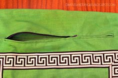 Dimples and Tangles: THE EASY WAY TO MAKE A PILLOW COVER WITH A ZIPPER