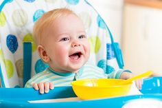 Choosing the best highchair for your baby. From Jessica Coll, the baby led weaning (blw) expert. Introducing Baby Food, Introducing Solids, Toddler Meals, Kids Meals, Baby Solid Food, Fingerfood Baby, Weaning Foods, Solids For Baby, Baby Finger Foods
