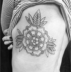 67 Ideas Design Geometric Flower Tat For 2019 Old Tattoos, Large Tattoos, Cover Up Tattoos, Body Art Tattoos, Tatoos, Faded Tattoo, Piercing Tattoo, Flower Tattoo Designs, Tattoos